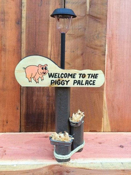 Piggy Palace Solar Lamp