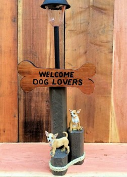 Welcome Dog Lovers Solar Lamp